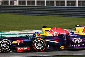 Red Bull plans further Vettel talks