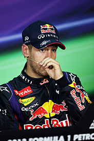 Vettel apologises to Red Bull staff