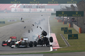 Esteban Gutierrez crashes into Adrian Sutil, Chinese GP 2013, Shanghai