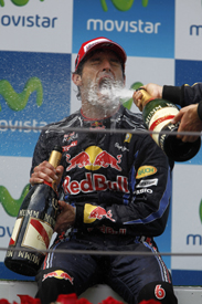 Mark Webber wins the 2010 Spanish GP