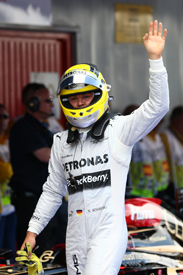 Nico Rosberg takes 2013 Spanish GP pole