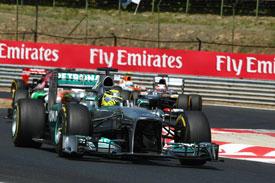 Нико Росберг считает, что Mercedes пока не может бороться за титул