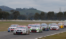 James Courtney leads Winton V8 Supercars race 2013