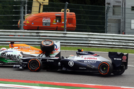 Pastor Maldonado and Paul di Resta collide, Belgian GP 2013, Spa