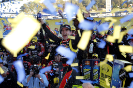 Jeff Gordon wins Martinsville NASCAR 2013
