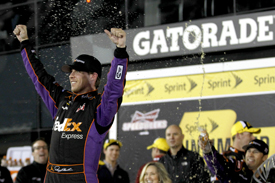 Hamlin triumphs in wild Unlimited