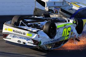 Big crash disrupts Daytona practice