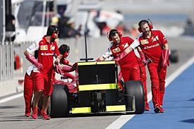 Ferrari pitlane, Bahrain F1 test