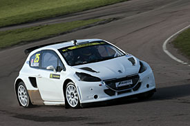 Villeneuve tests Rallycross Peugeot