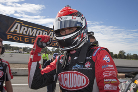 Coulthard dominates Winton race one