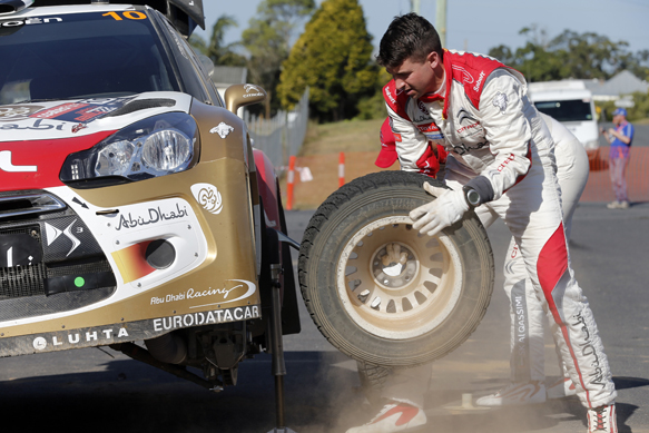 Mid-stage 'pitstops' planned for WRC