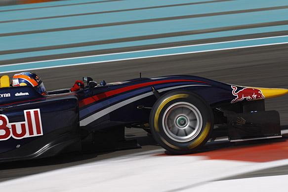Lynn fastest as GP3 title beckons