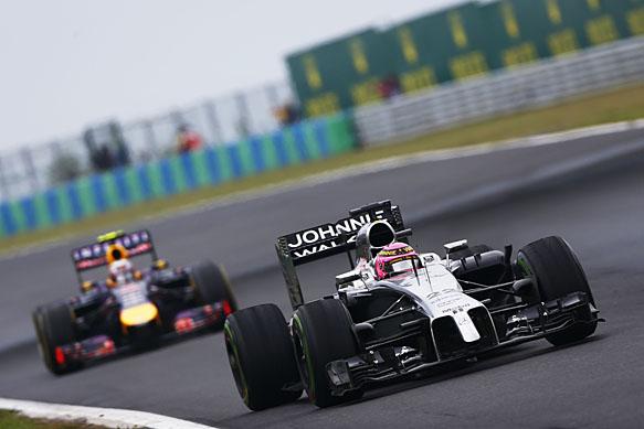 Ricciardo: McLaren could be a threat