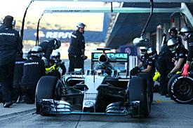 Старт тестов у Mercedes выдался блестящим © XPB