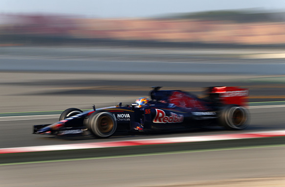 Carlos Sainz Jr, F1 testing 2015