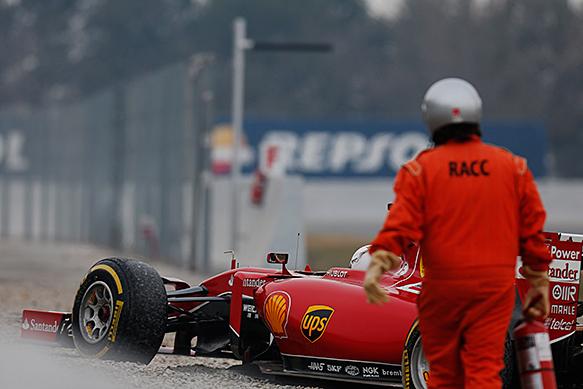 Sebastian Vettel, Ferrari, goes off, Barcelona F1 testing February 2015
