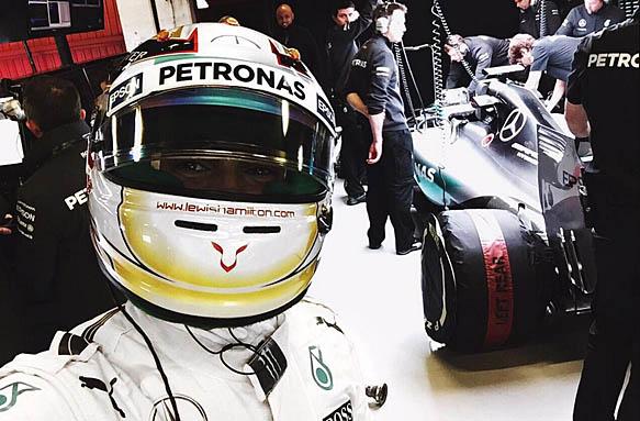 Lewis Hamilton Twitter selfie, F1 testing 2015