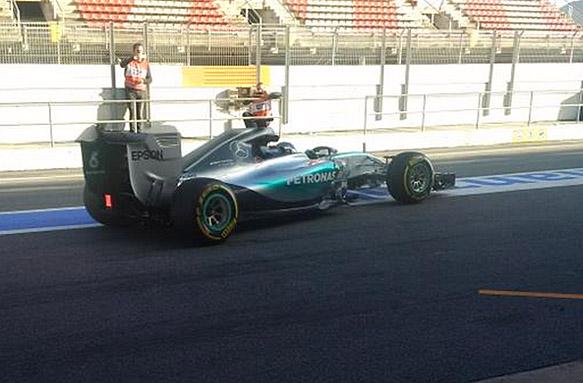 Mercedes F1 W06, Barcelona F1 testing