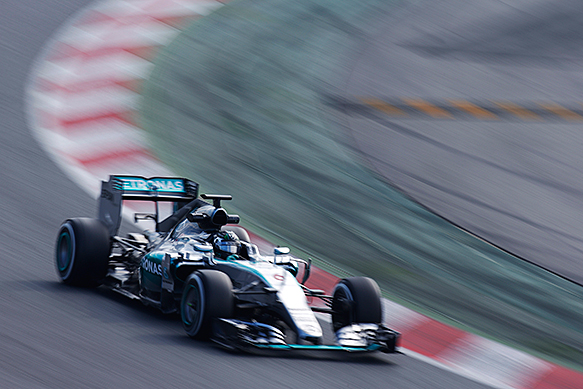 Test round-up: Mercedes takes charge