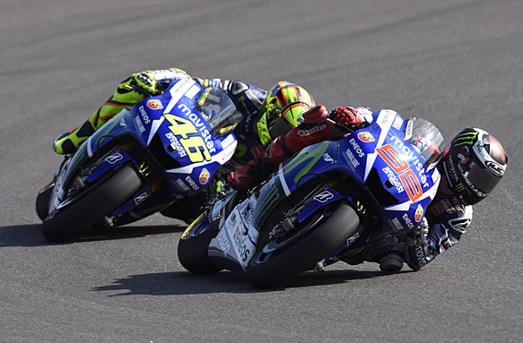 Jorge Lorenzo leads Valentino Rossi, MotoGP 2015