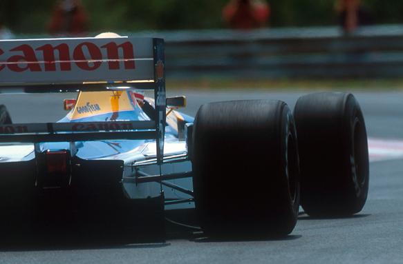 Ricciardo: Wider tyres to help F1 aces