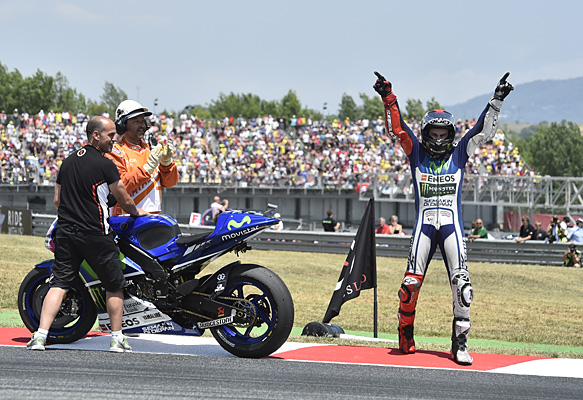Jorge Lorenzo wins Barcelona MotoGP 2015