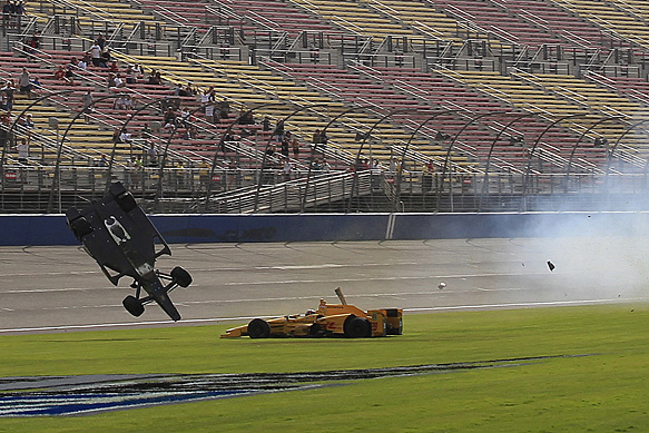 Ryan Briscoe and Ryan Hunter-Reay crash, Fontana IndyCar 2015