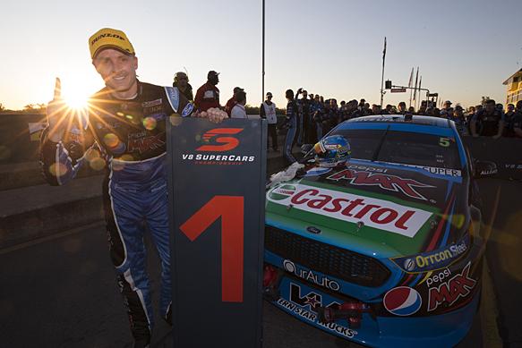 Mark Winterbottom wins Queensland V8 Supercars 2015