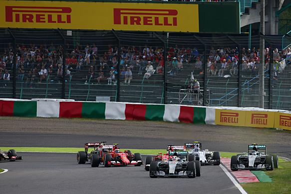 Lewis Hamilton leads, Nico Rosberg off, Japanese GP 2015, Suzuka