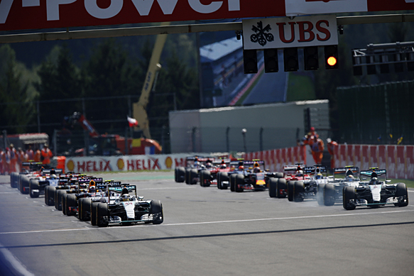 Mercedes in favour of three-car teams