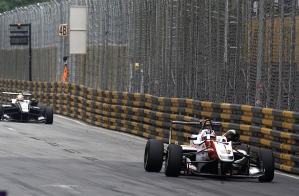 f3 macau gp rosenqvist holds off leclerc to become dual. Black Bedroom Furniture Sets. Home Design Ideas