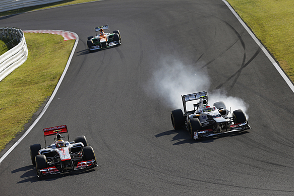 Sergio Perez passes Lewis Hamilton, Japanese GP 2012, Suzuka