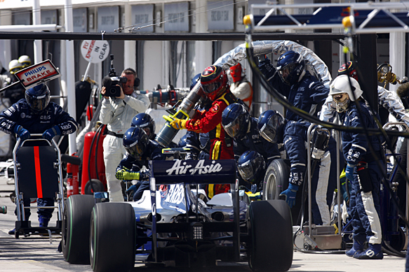 Kazuki Nakajima, Williams, Hungarian GP 2009, pit