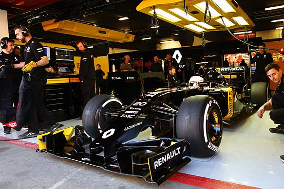 Kevin Magnussen, Renault, Barcelona F1 test 2016