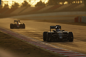 Renault and McLaren, Barcelona F1 test 2016