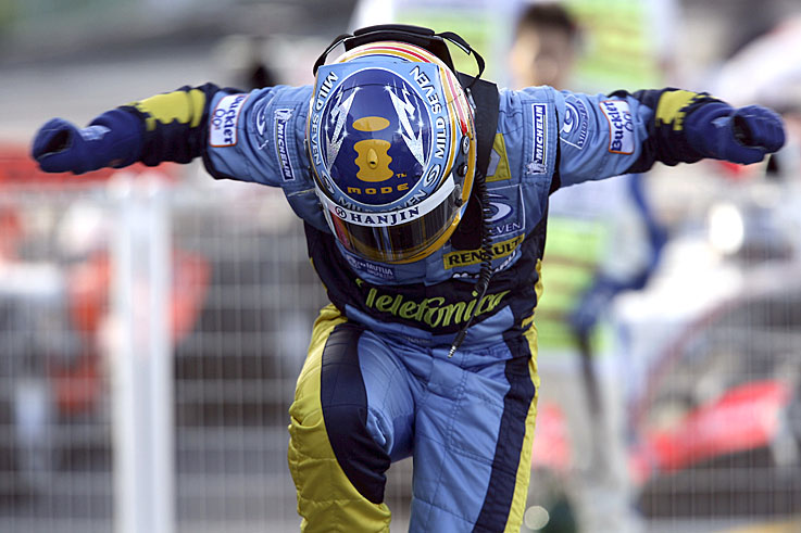 Fernando Alonso beats Michael Schumacher to win his second title. Schumacher retires at season's end