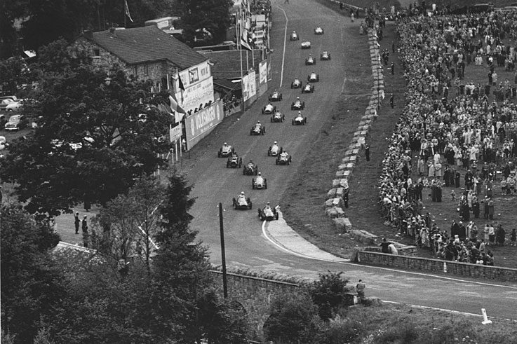 Alberto Ascari takes the first of six consecutive grand prix wins in '52 at Spa, on his way to the title