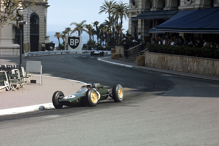Jim Clark wins seven of 10 races to clinch his first world championship