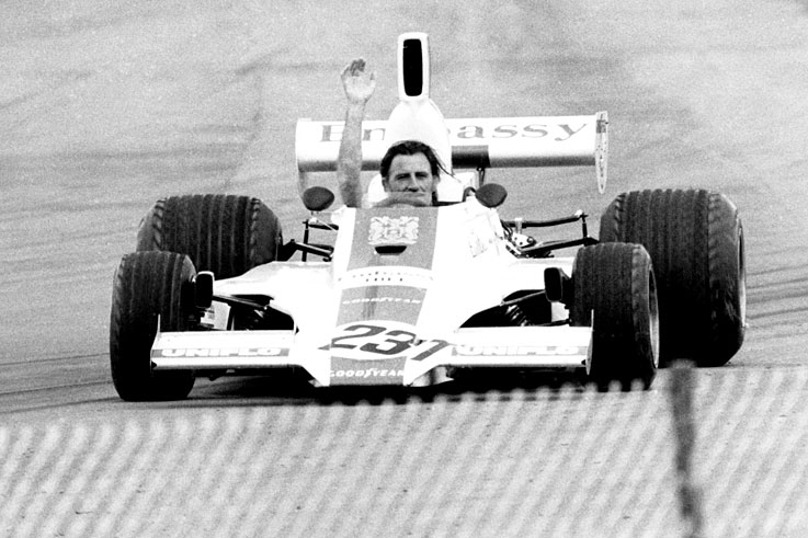 Graham Hill retires from F1, then is killed in a plane crash in November
