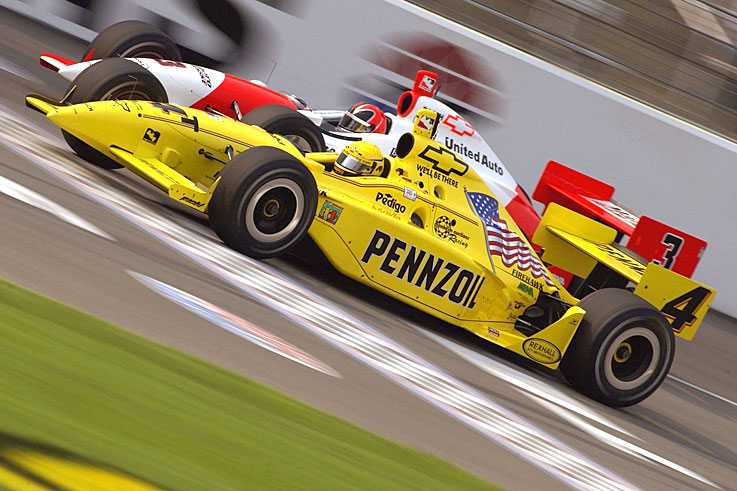 Sam Hornish Jr pips Helio Castroneves to the Indy Racing League title