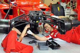 Os mecânicos da Ferrari