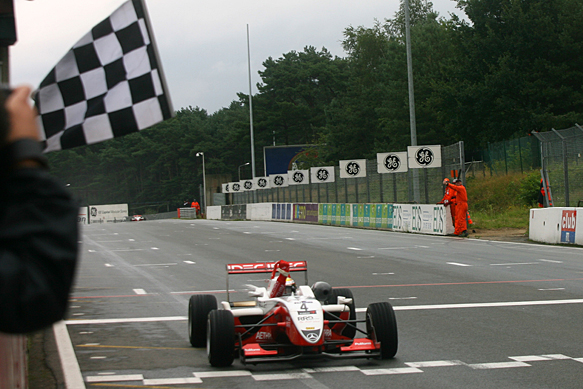 Jules Bianchi wins F3 Masters 2008, Zolder