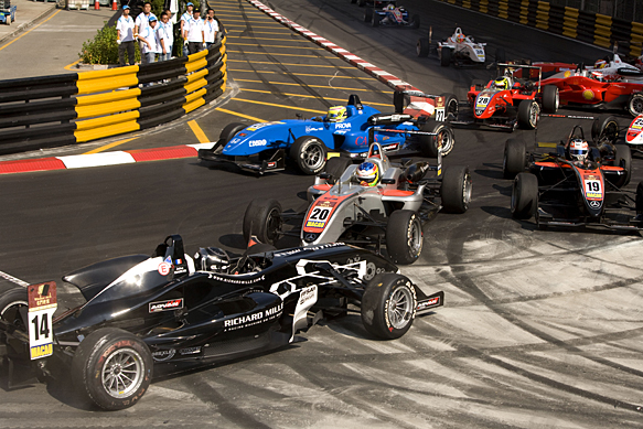 Jules Bianchi, Macau, F3 crash 2009